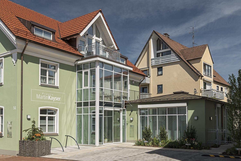 Praxis Kayser, Fassade und Eingangbereich