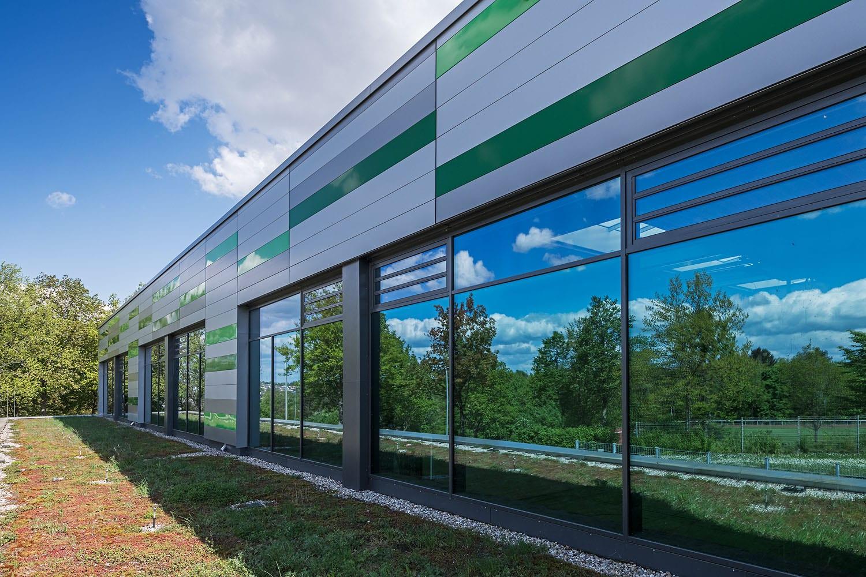 Sporthalle Aldingen verglaste Fassade mit Brandschutzelementen