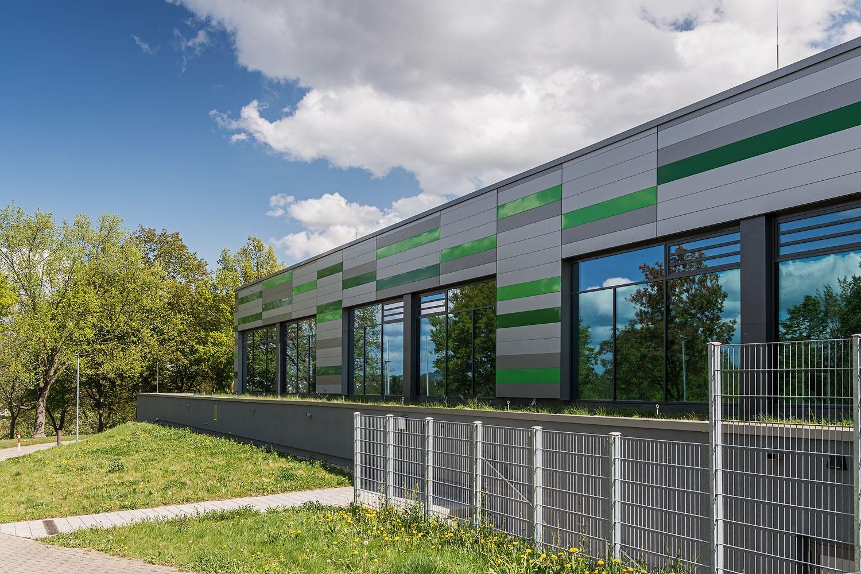 Sporthalle Aldingen verglaste Fassade