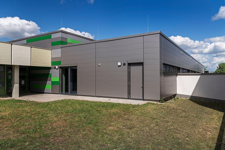 Sporthalle Aldingen neue Fassade