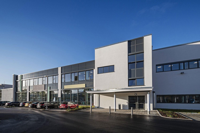 Julius Zorn GmbH, Eingangsbereich mit neuer Verglasung