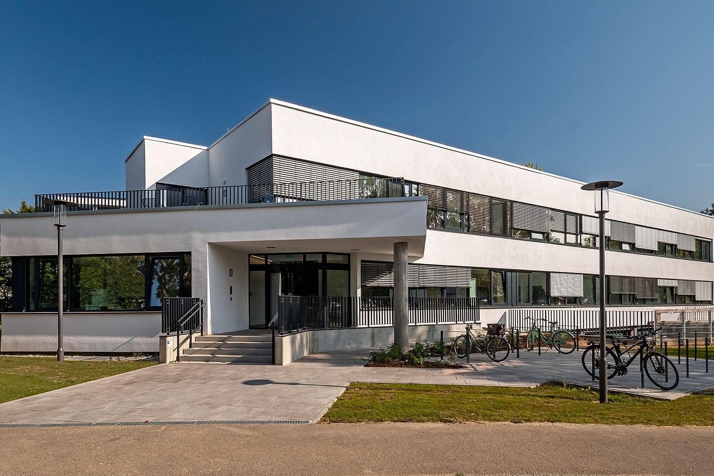 glas seele Referenz BKH Ambulanz Augsburg, Pfosten-Riegel-Fassade
